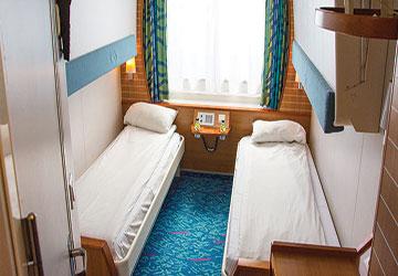 commentaire du ferry pascal paoli de corsica linea et description du navire. Black Bedroom Furniture Sets. Home Design Ideas